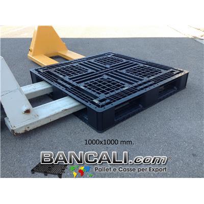 Pallet Quadrato 1000x1000 mm. in Plastica h.140 mm. idoneo a Scaffale, Inforcabile 4 vie Peso Tara 14 Kg.