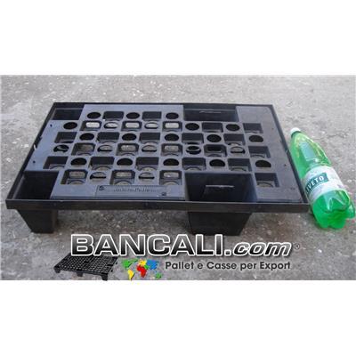 microPALLET® in Plastica 400x600 mm. Pianale grigliato , 4 Piedi  Asimmetrico Inforcabile su 4 Lati ( 4 Vie), EXPORT-PALLET® Peso Tara  1,6 Kg.